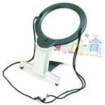Hands free magnifier lamp